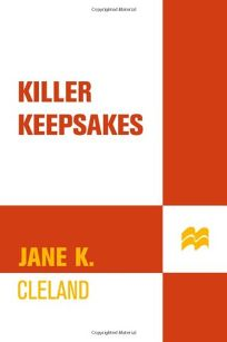 Killer Keepsakes: A Josie Prescott Antiques Mystery