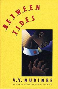 Between Tides = Entre Les Eaux